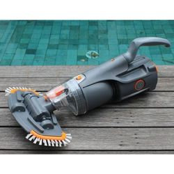 Vektro Z200 Rechargeable Pool and Spa Vacuum